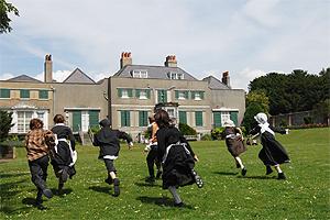 Preston Manor garden